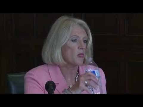 Editorial board hosts comptroller debate    Chicago Tribune