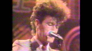 Watch Lyle Lovett La County video