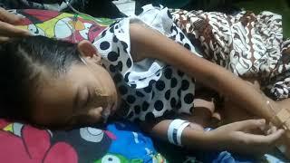 Siswi S-D di Kota Pangkalpinang yang mengalami sakit parah pasca mendapat Imunisasi Measles Rubella .