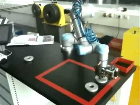 UNIVERSAL ROBOTS Autonomes Handeln durch Bildverarbeitungssystem