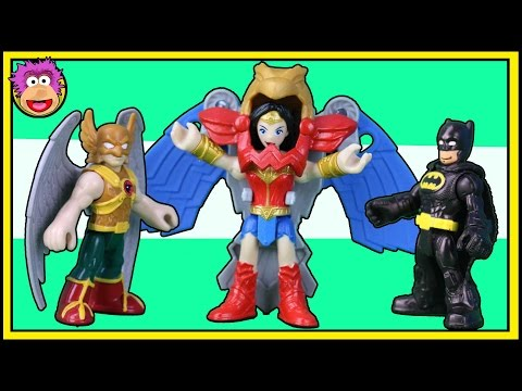 Imaginext Wonder Woman battles Imaginext Hawkman using Wonder Woman flight suit @ OzToyReviews