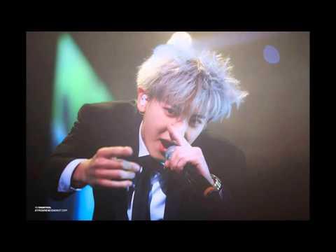 Fan trách móc SM vì để Chanyeol (EXO) kiệt sức trong concert