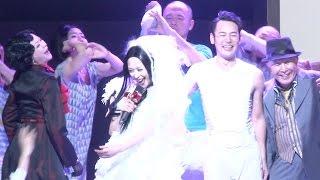 2012年に上演されたNODA・MAPの「エッグ」。 妻夫木聡、深津絵里、仲村...