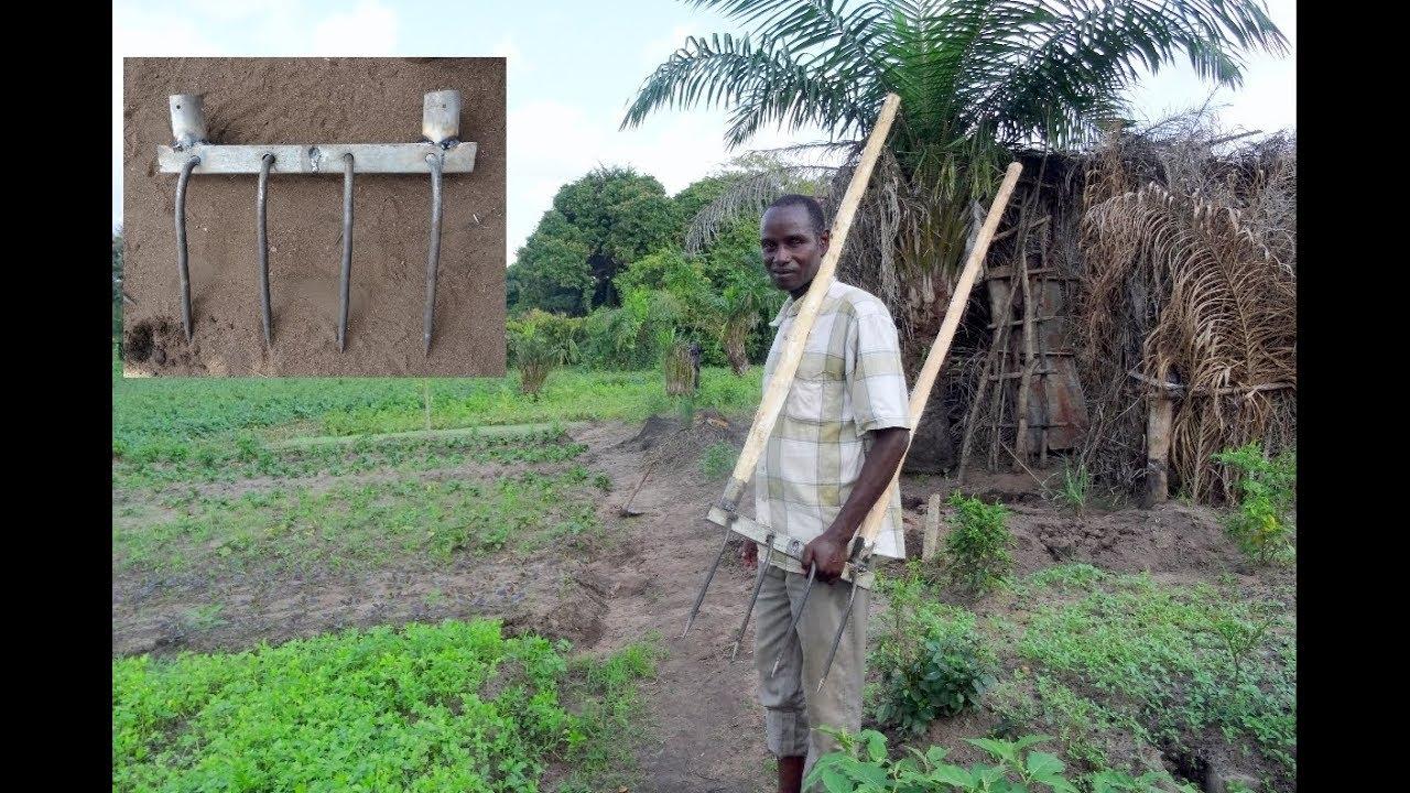 Fabrication d'une grelinette à Ouéssè (Bénin)