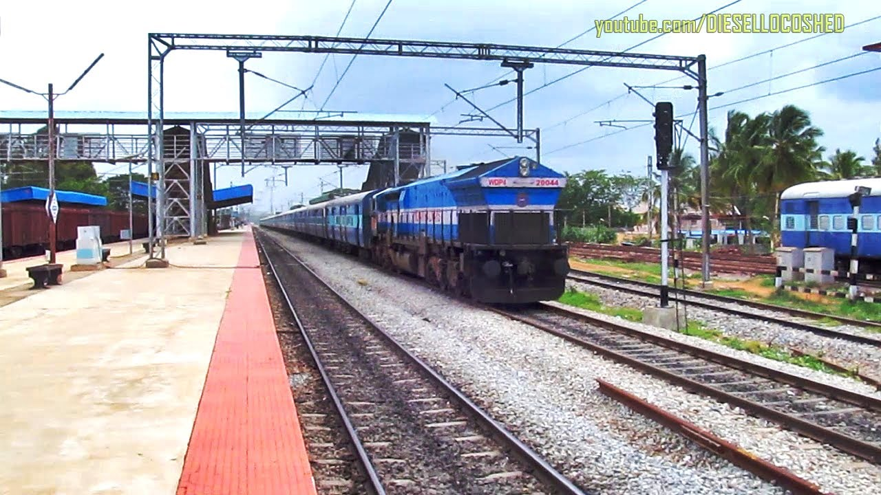 WDP 4 rushes with TALAGUPPA BENGALURU INTERCITY, while another EMD Hums in the background !!