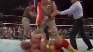 المصارع العراقي عدنان ضد هولك هوجن