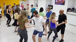 Танцуйте с нами. Доминиканская бачата и сальса в A4G