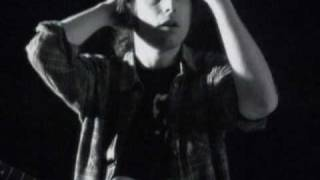 Andres Calamaro - No se puede vivir del amor (Video clip)