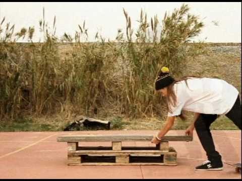 """2/12 - FRIDAYS. Alejandro Hidalgo """"Mele"""""""