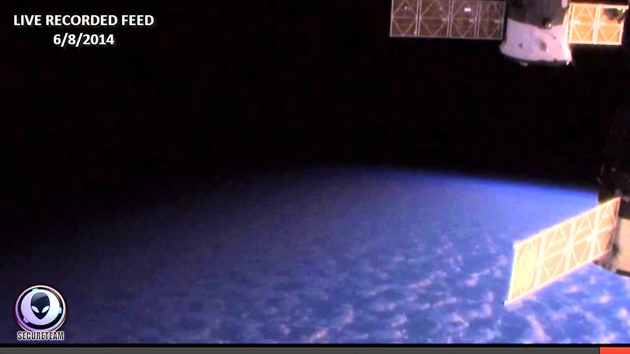 NASA CUTS LIVE SPACE FEED! HD UFO APPEARS AT ISS 2014 ...