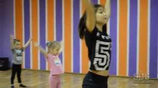 Обучение детей в школе танцев