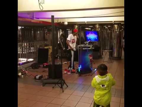 live music subway artist nyc