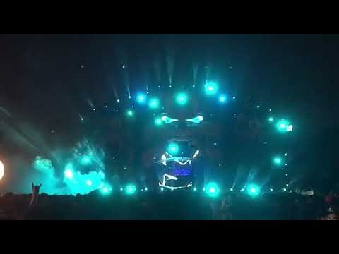 Axwell /\ Ingrosso - Dreamer(live Singapore)