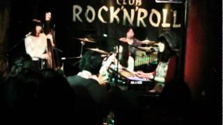 2011 12 27 GRANCH @ Club Rock'n Roll 七つの海の地球儀