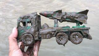 Membersihkan Mainan Mobil Tentara, Excavator, Mobil Truk Molen, Bus Tayo, Mobil Polisi, Pemadam