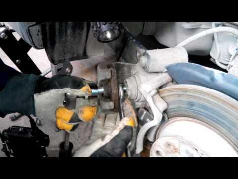 Замена задних колодок VW Tiguan без компьютера !!!подложите старую колодку под болт!!!