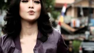 Download Mp3 Eiza & Gracia Indri - Dinda Dimana