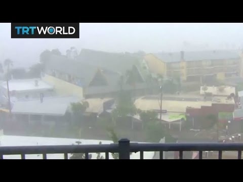 Thousands take shelter as cyclone Debbie hits north Australia
