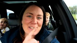 Fun car games to play with your kids: Nosy Neighbour