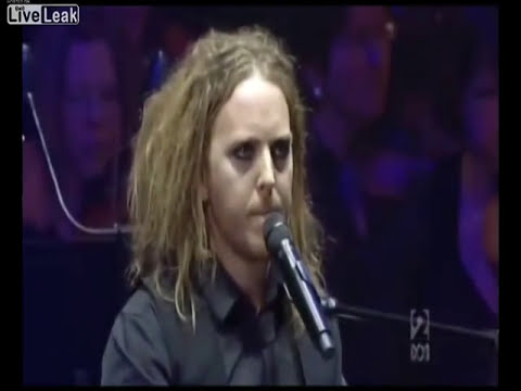 Tim Minchin singing the Pope Song with the Sydney Symphony Orchestra