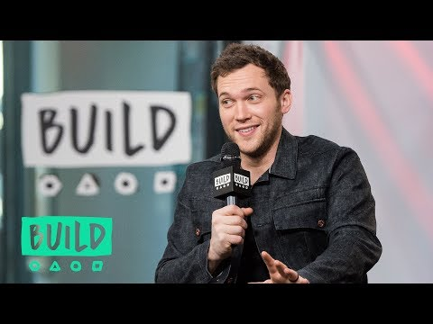 "Phillip Phillips Stops By To Chat About His Album, ""Collateral"""