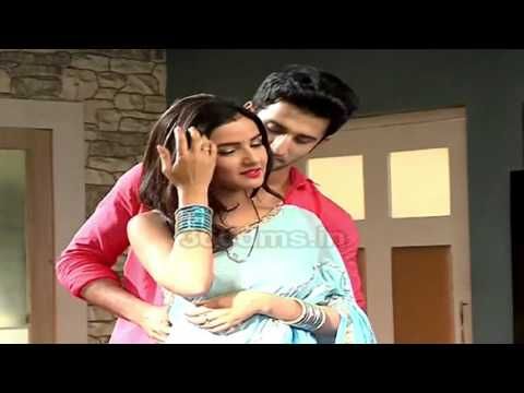 Tashan-e-Ishq: Love Is In Air! Twinkle And Kunj's Hot Steamy Romance - Latest Video