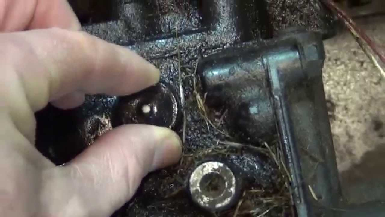 john deere 445 transmission oil vent leak at 0 degree f , cold weather,  am878422 - youtube