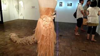 『木装』 作:北村恵美 鉋くずのドレス wood  dress