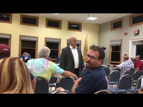 The mayor got kicked out, but a town meeting could continue. Here's why.