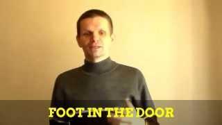 """Идиома """"foot in the door"""""""