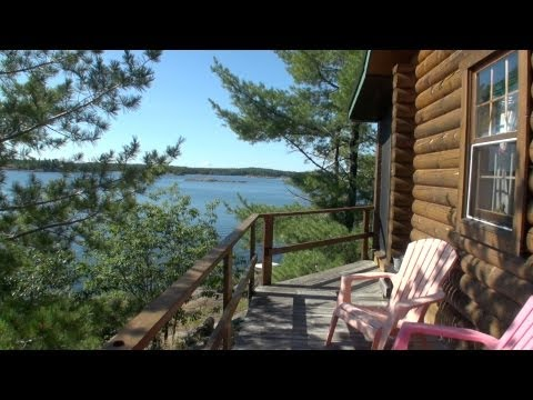 Waterfront Log Home in Whitefish Falls, ON