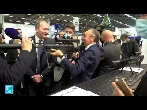 ...فرنسا: إيريك زمور يوجه بندقية للصحفيين في معرض أسلحة  - نشر قبل 1 ساعة