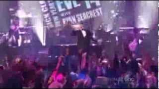Robin Thicke - Blurred Lines (Live @ Dick Clark's Rockin' New Year's Eve 2014)