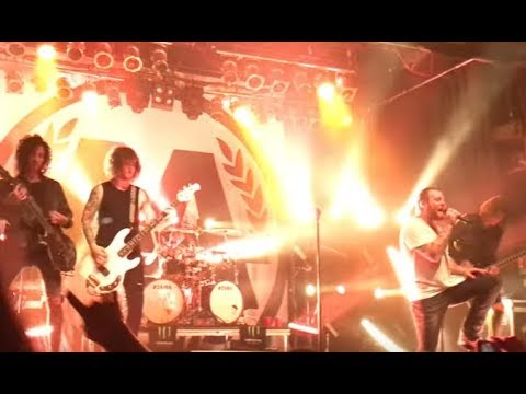"Asking Alexandria ""Alone In A Room"" video - the Devil Wears Prada cover Sour Breath..!"