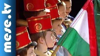 Kolompos együttes - Jönnek a huszárok (koncert részlet, népdal, néptánc) | MESE TV