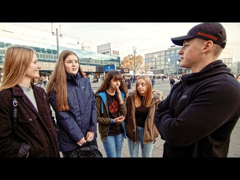Angela Merkel Rücktritt   Asylanten in Deutschland? Straßenumfrage