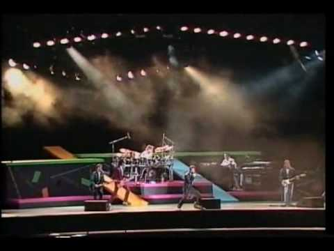Huey Lewis And The News - Heart And Soul (Live)