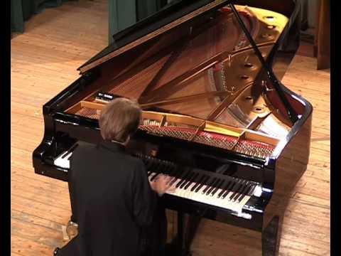 Pianist Severin von Eckardstein plays Scriabin: Preludes op. 11 (selection)