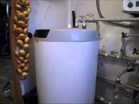 видео: Как я сделал отопление в своем доме в деревне..mp4