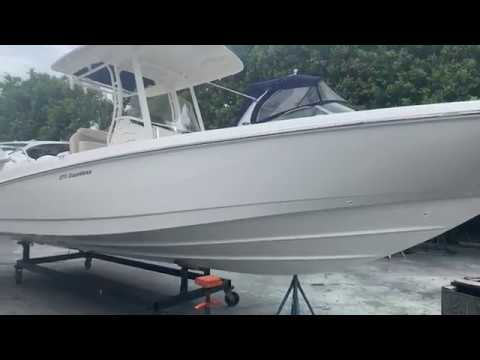 2020 Boston Whaler 270 Dauntless for sale at MarineMax Pompano Beach