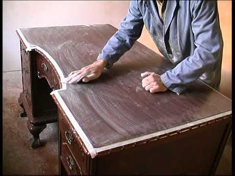 Como restaurar el barnizado de una mesa escritorio estilo Chippendale