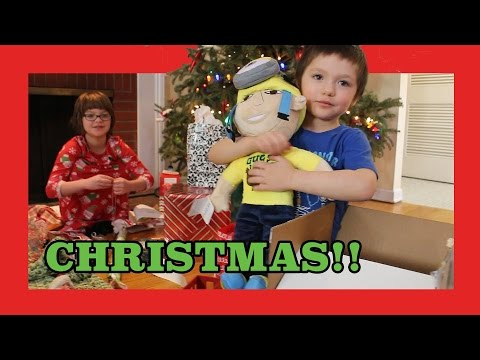 Christmas Morning and Pet Christmas!  Happy Holidays! Day 925   ActOutGames
