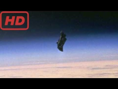 UFO Sightings 2015 | Black Knight Satellite Caught on ISS Live Stream near the Space Station
