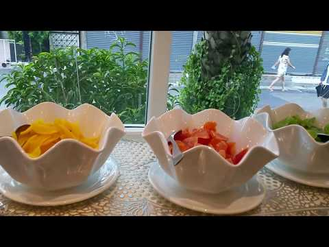 Hotel In Pattaya, Buffet Breakfast At Lk The Empress Hotel, Pattaya, Thailand