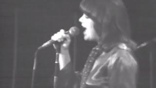 Linda Ronstadt - Full Concert - 12/06/75 - Capitol Theatre (OFFICIAL)
