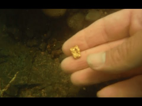 Gold Nuggets Pulled Off Bedrock! Under Water Footage Rogue River Gold Dredging - 36 Dwt!