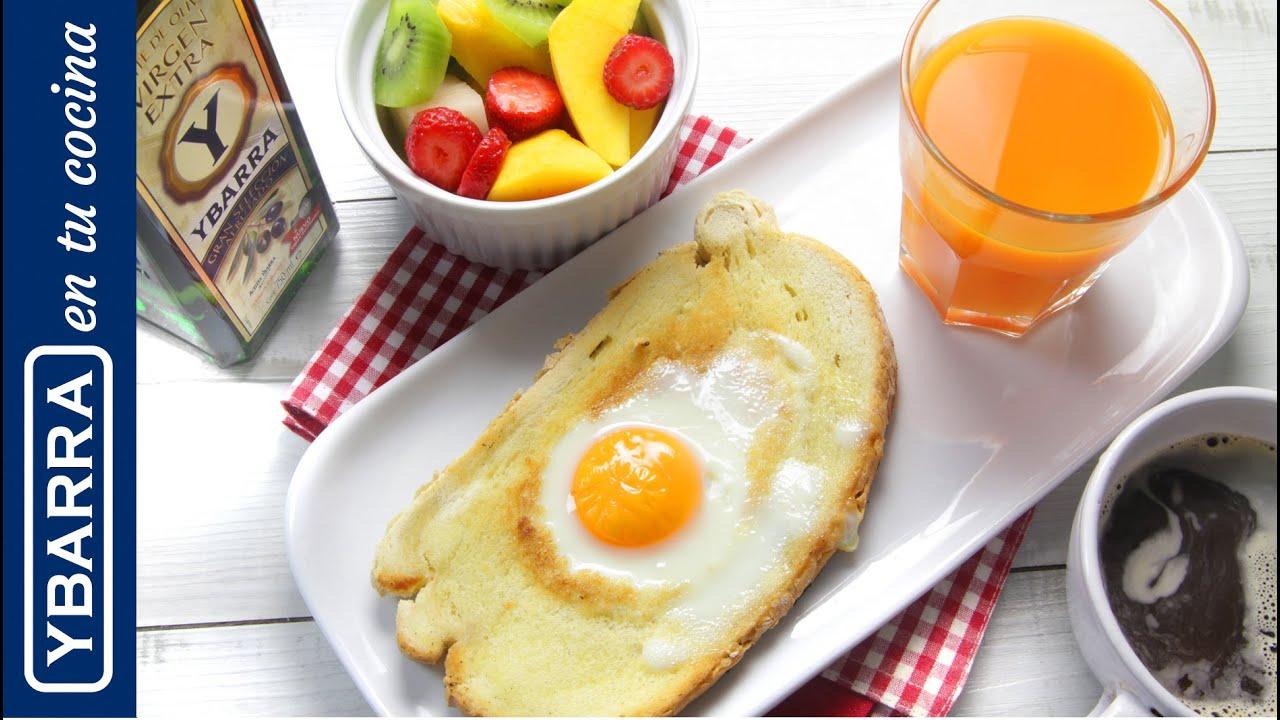 Desayuno fácil y saludable: tostada con huevo y aceite