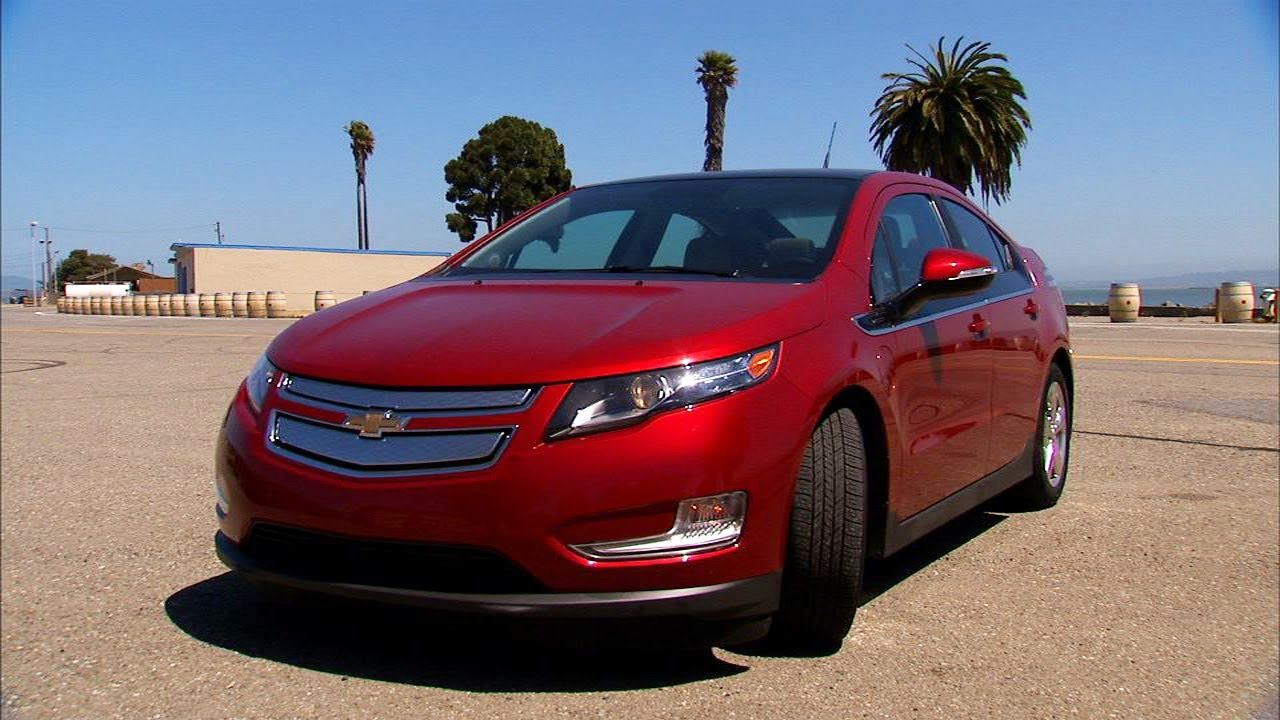 All Chevy 2012 chevy cars : Car Tech: 2012 Chevy Volt - YouTube