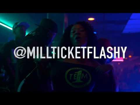 Flashy: Diamond Club Vlog (Halloween Edition)