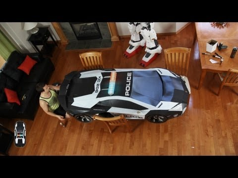 Lamborghini Aventador Model Made Entirely Out of Paper and Cardboard Looks Mind-Blowingly Realistic